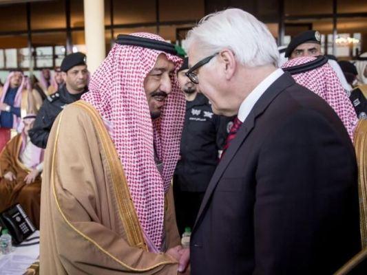Außenminister Frank-Walter Steinmeyer und König Salman: Über Menschenrechte wurde nicht gesprochen (c) dpa