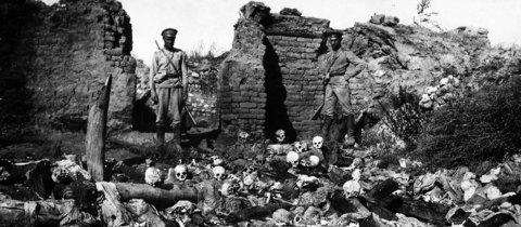 Nach dem Massaker.