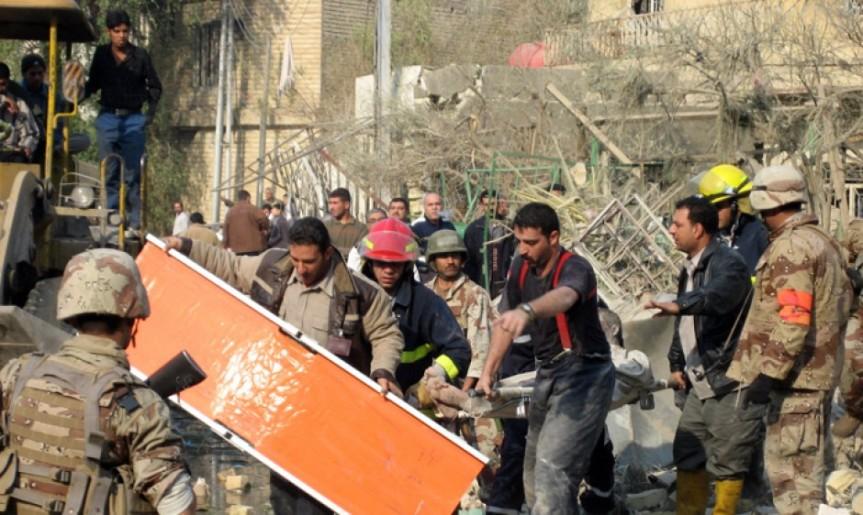 Im Krieg in Afghanistan sind seit 2001 knapp 70.000 Kriegstote zu verzeichnen, darunter auch zahlreiche Zivilisten. Die Grünen sind dafür mitverantwortlich.