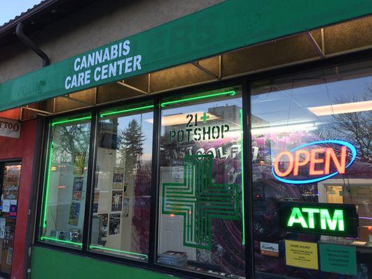 """In 25 US-Staaten sind Konsum und Vertrieb von Cannabis mittlerweile erlaubt, teilweise jedoch nur zu medizinischen Zwecken in solchen """"Cannabis-Apotheken"""""""