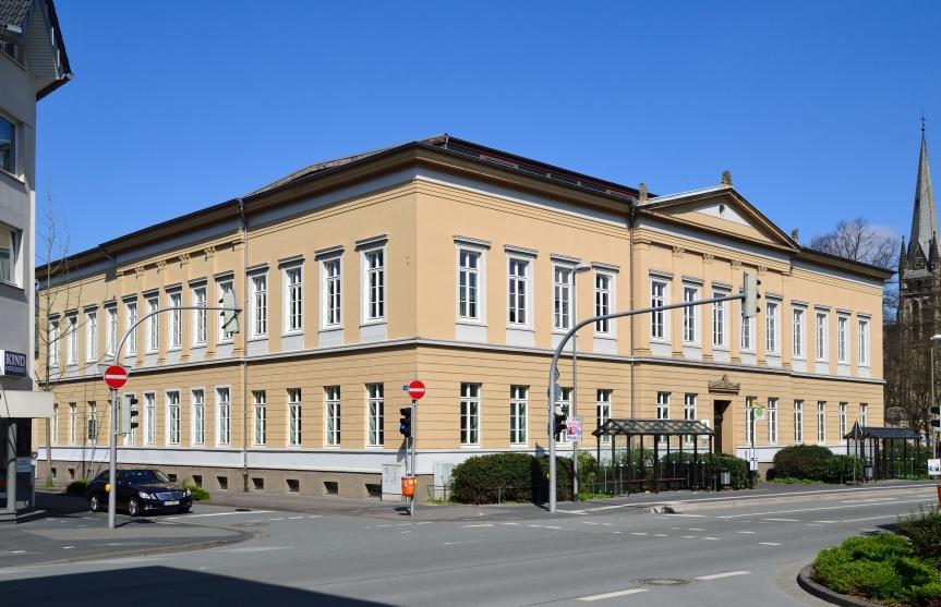 Landgerichtsgebäude in Detmold: Richter attestieren der Nachkriegs-Justiz ein systematisches Versagen, man habe sich nicht mit dem Holocaust auseinander setzen wollen.