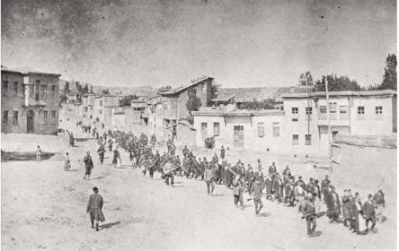 Bild eines deutschen Reisenden: Osmanische Soldaten deportieren ganze Dörfer.