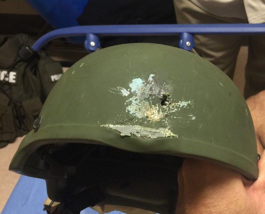 50 Menschen wurden beim Massaker von Orlando getötet, beim Feuergefecht mit dem Täter bekam auch ein Polizist einen Schuss ab. Der Helm rettete sein Leben.