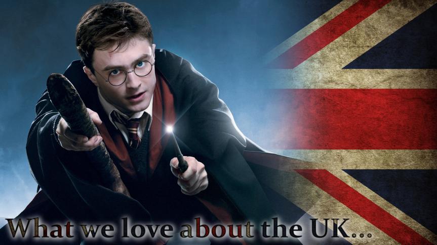 Viele von uns sind mit den Geschichten um den englischen Zauberlehrling Harry Potter und die Zauberschule Hogwarts aufgewachsen. Kaum eine Geschichte fesselte Kinder, Jugendliche aber auch einige Erwachsene in den 90ern und 00ern so sehr wie die von Harry Potter. Warum? Vielleicht weil wir als Kinder alle gern mal zaubern gelernt hätten, oder vielleicht weil jeder ein bisschen Magie in seinem Leben braucht.