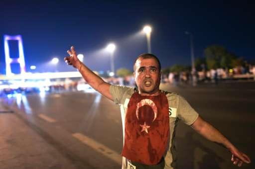 Türkei setzt Menschenrechtskonvention aus – nach französischemVorbild.