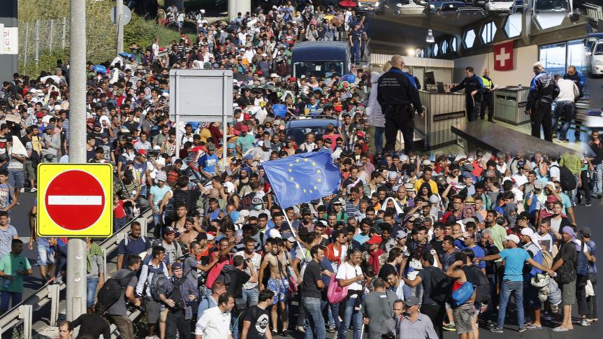 Besorgnis von Menschenrechtlern zur Lage von Flüchtlingen an der Schweizer Grenze und Daten zur Lage inDeutschland.