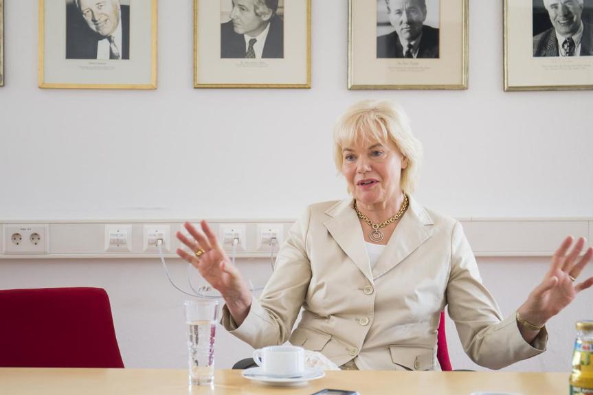 """""""Twitterikone"""" Erika Steinbach verlässt die CDU und erklärt Unterstützung derAfD."""